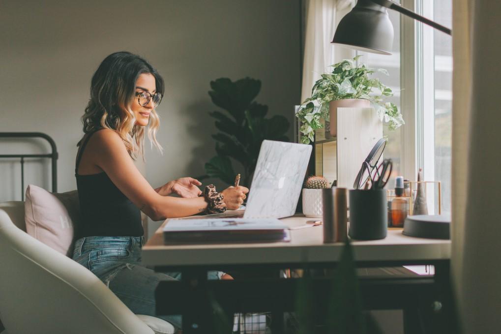 Jak zaaranżować miejsce do pracy w domu?